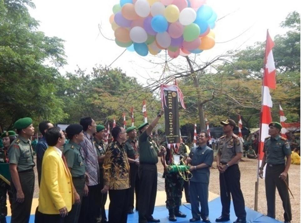 TNI GELAR PAMERAN ALUTSISTA DI UI DEPOK