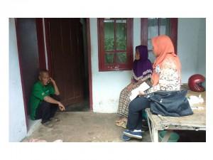 Ketua BKK SMKN 2 berkunjung dan wawncara ke rumah DIKI yang sederhana