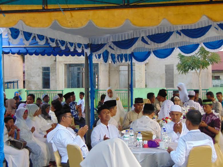 Suasana buka puasa bersama yang dilaksanakan oleh Kodim 1004 Kotabaru
