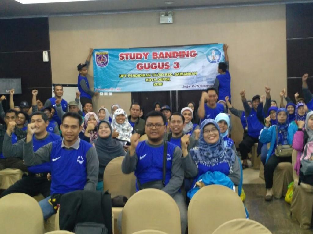 Guru dan Staf UPT Pendidikan Sawangan Studi Banding                    ke  Jogya