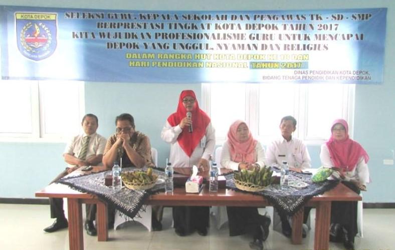 Sekretaris Dinas Pendidikan Kota Depok, Siti Chaerijah membuka acara Seleksi Kepsek dan Guru Prestasi Tingkat Kota Tahun 2017