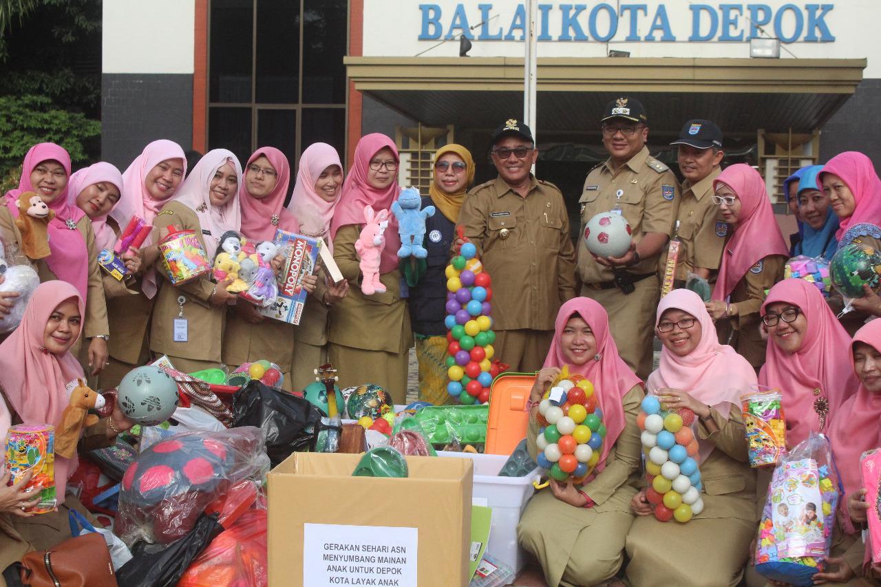 ASN Kota Depok Sumbang 1061 Mainan Anak