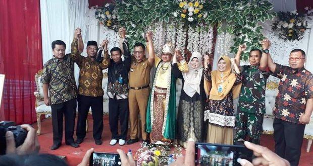 Lukmanul Hakim, kembali memimpin Desa Bantarsari setelah hasil penghitungan suara meraih suara terbanyak mengalahkan sang istri (Silfiyani).