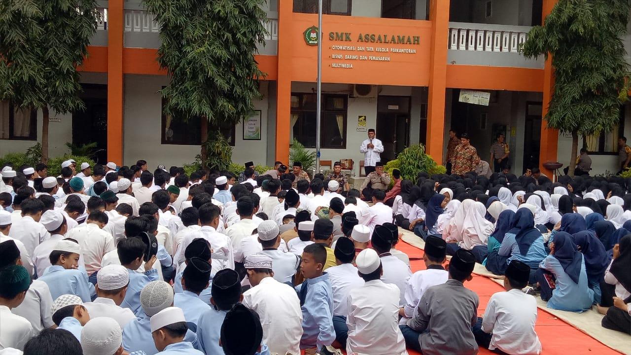 zikir dan doa Bersama yang dipimpin Ketua YPI Assalamah yang juga pimpinan Pondok Pesantren Assamah, KH. Drs. Bahrudin Toyib