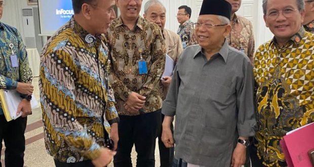 Wakil Presiden Republik Indonesia, Prof. Dr. KH. Ma'ruf Amin bersama Ketua Umum PSSI Iwan Bule