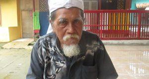Nasan Sujana atau lebih dikenal dengan nama Abah Jana, (66 th) Kreator Seni Topeng Jigprak