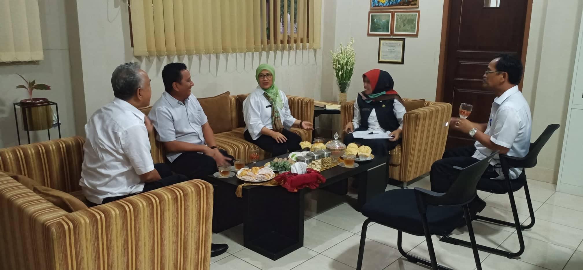 Kadisdik Jabar dialog dengan KCD 13, Kepsek, dan pengawas