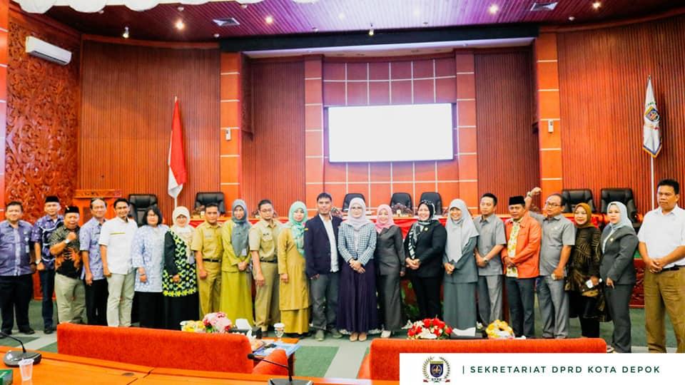 Renja DPRD Kota Depok dihadiri Ketua DPRD Kota Depok H.T.M. Yusufsyah Putra serta Wakil Ketua H. Tajudin Tabri dan seluruh anggota DPRD Kota Depok, dipandu oleh Edy Rohendi sebagai moderator
